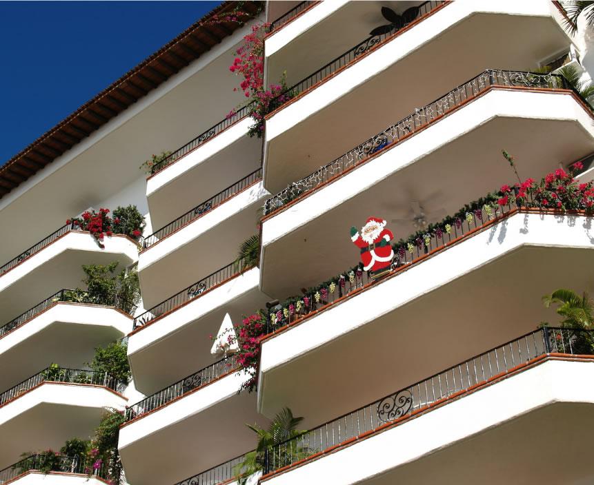 Una iniciativa ciutadana premiarà al balcó millor decorat de Nadal de Roses