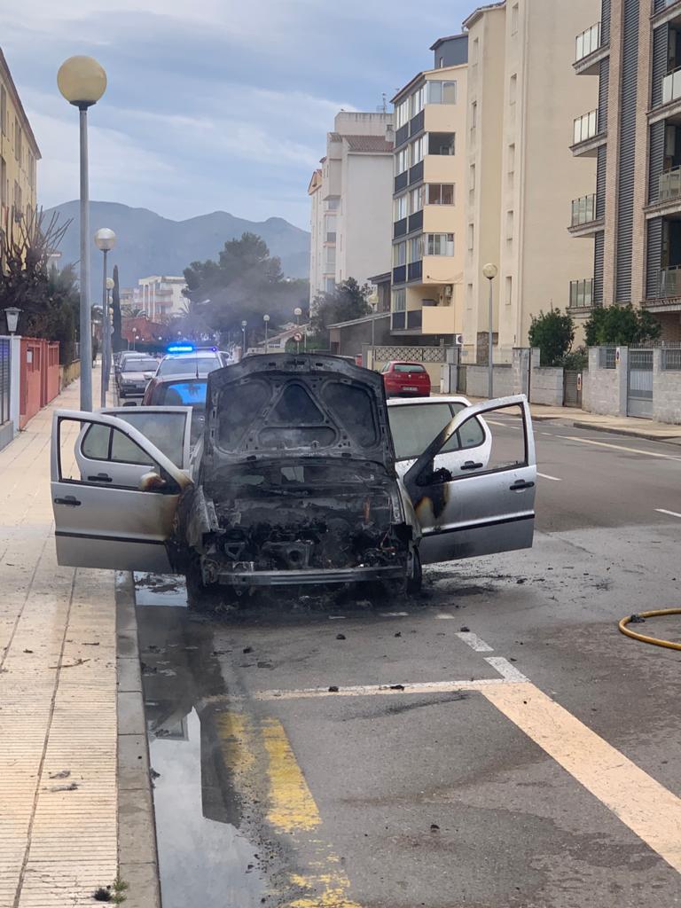 Incendi en un vehicle a Santa Margarita