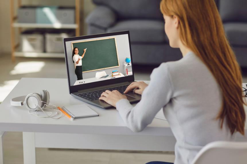 L'Oficina de Català de Roses obre inscripcions dels nous cursos 100% virtuals