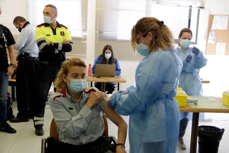 Comença la vacunació de la Covid19 al col.lectiu del Cos de Mossos d'Esquadra a Girona