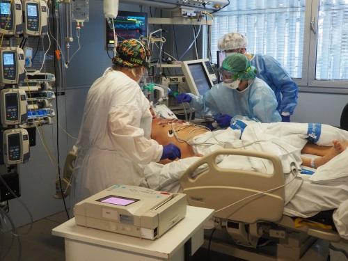 Les xifres d'un any amb l'atenció centrada en el pacient amb COVID-19 a l'Hospital Trueta