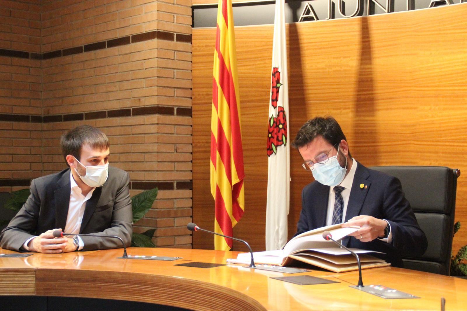El president Pere Aragonès visita Roses acompanyat de l'alcalde del municipi, Joan Plana