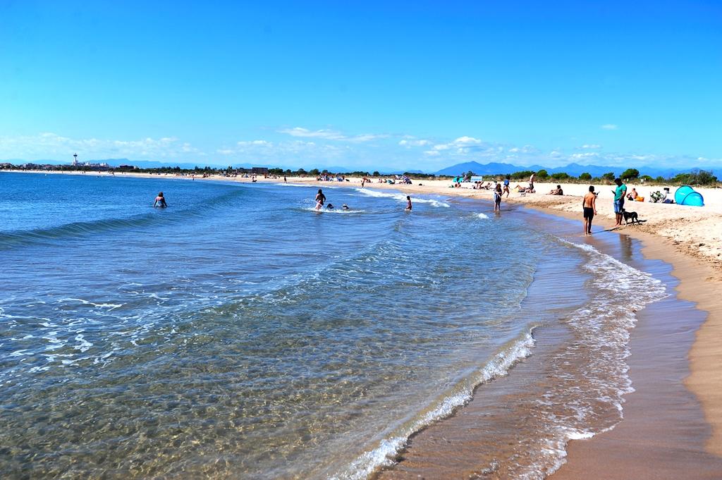 Mor ofegat un home a la platja d'Empuriabrava