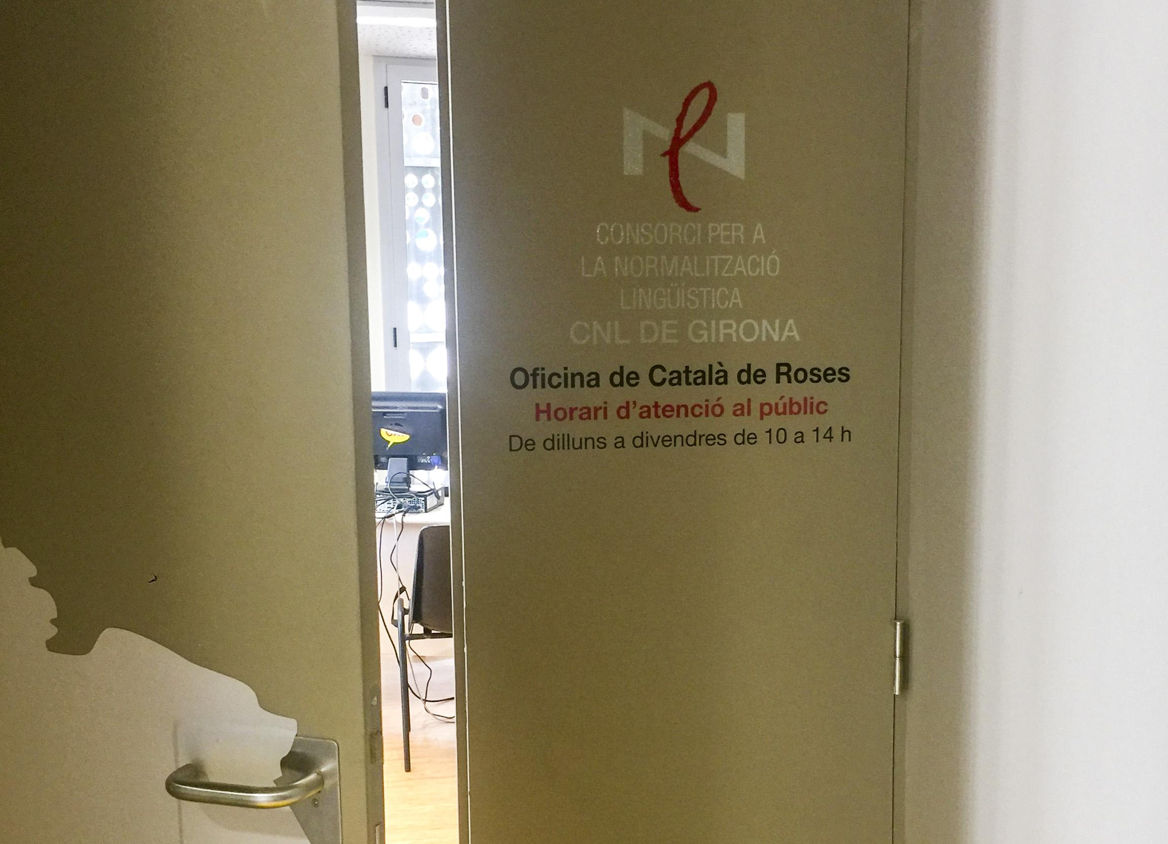Servei d'assessorament lingüístic i traducció al català gratuït per als establiments de Roses